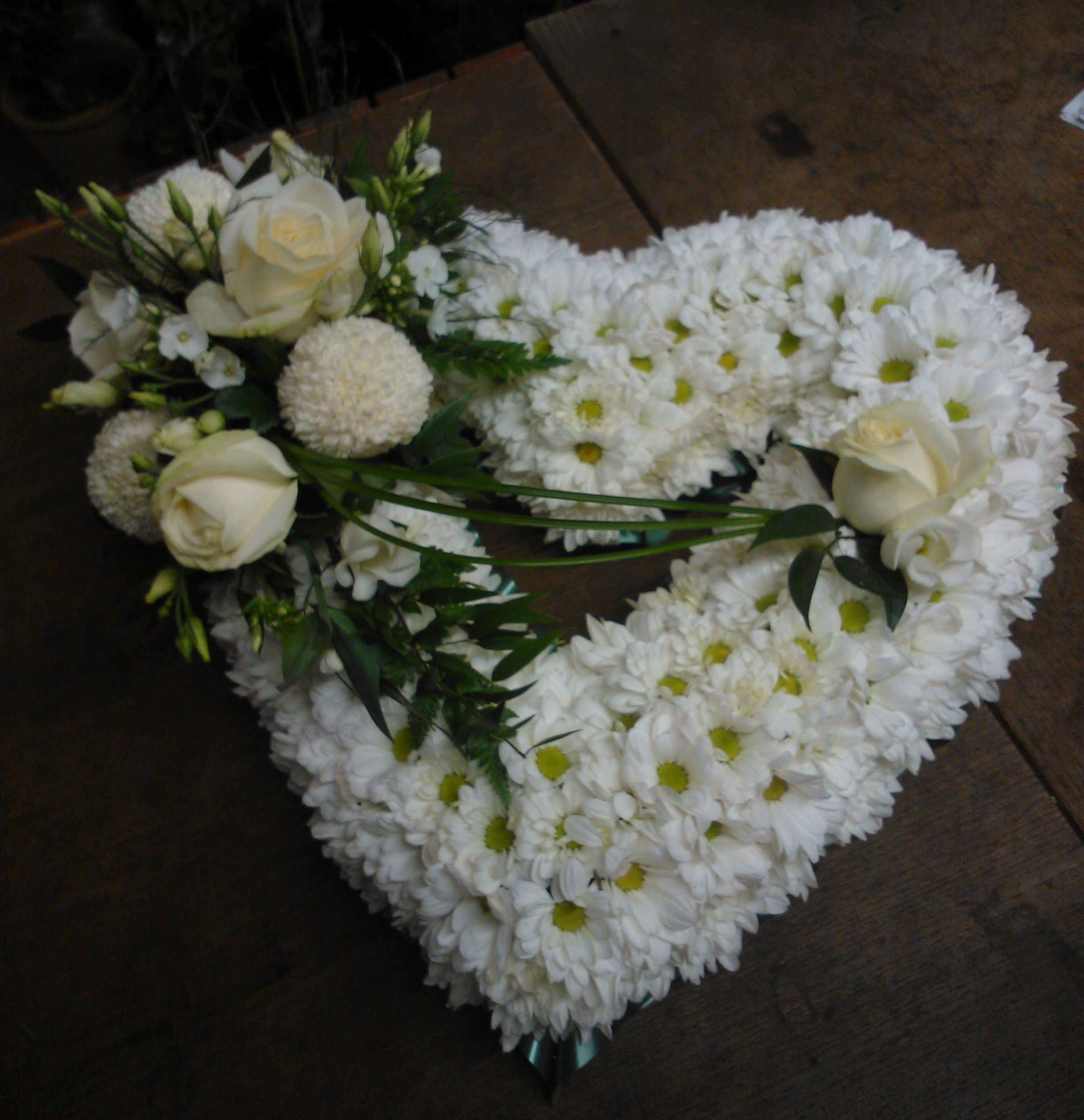 Funeral flowers floralcraft flowers heart funeral tribute flowers yorkshire izmirmasajfo Images
